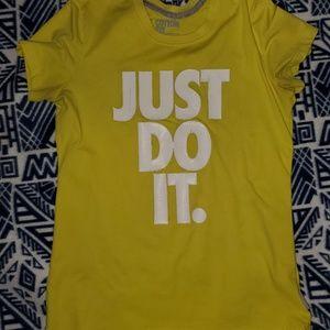 Nike TShirt L